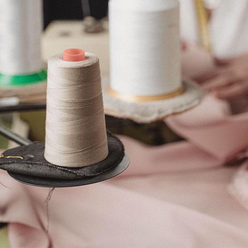 Foto de la noticia Confección de uniformes de trabajo :: Grupo Anjo, Uniformes de Moda, Diseños exclusivos indumentaria laboral