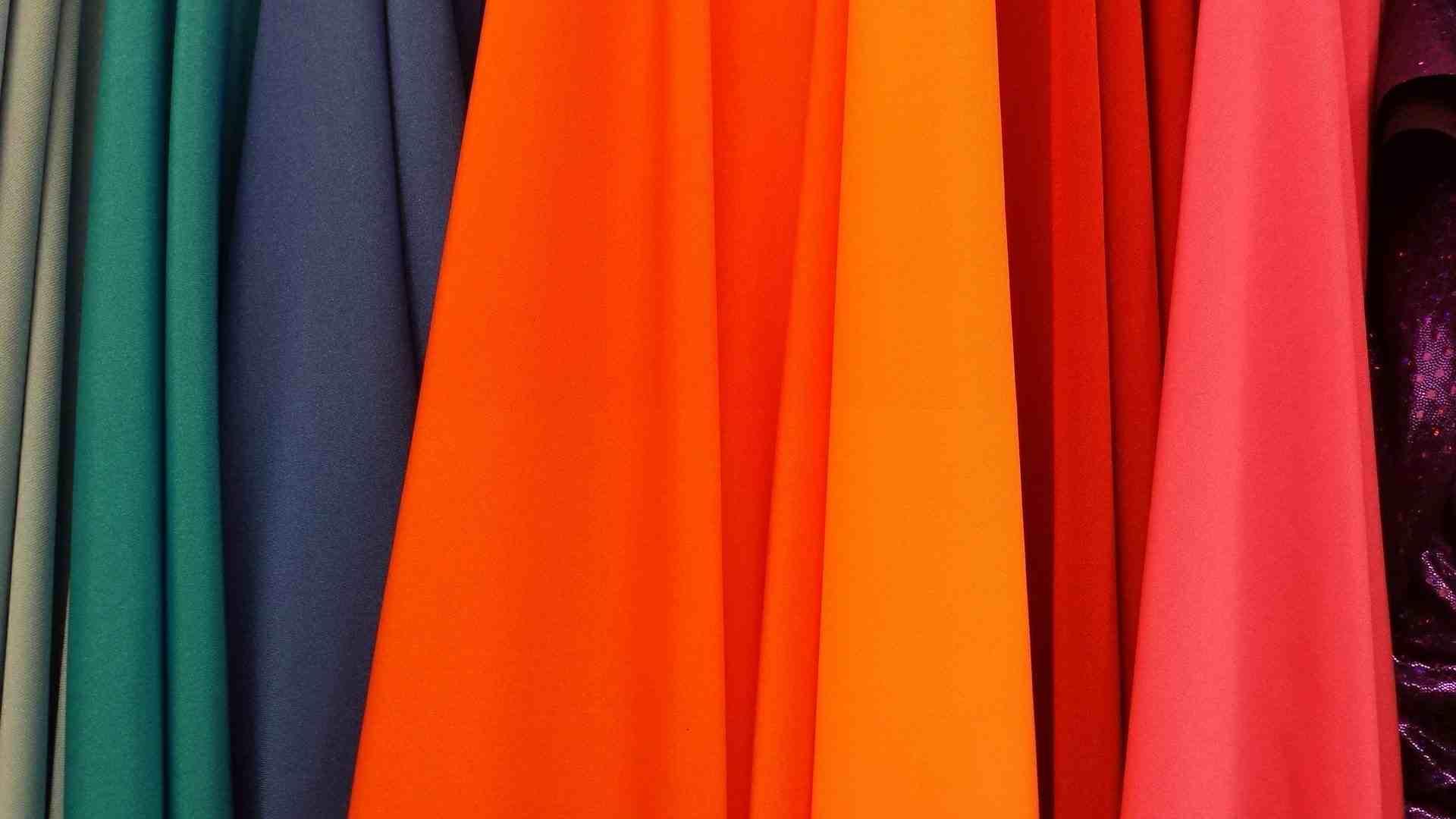 Foto de la noticia Colores más adecuados en época estival :: Grupo Anjo, Uniformes de Moda, Diseños exclusivos indumentaria laboral