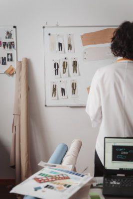 tipos de tejidos en el uniforme laboral